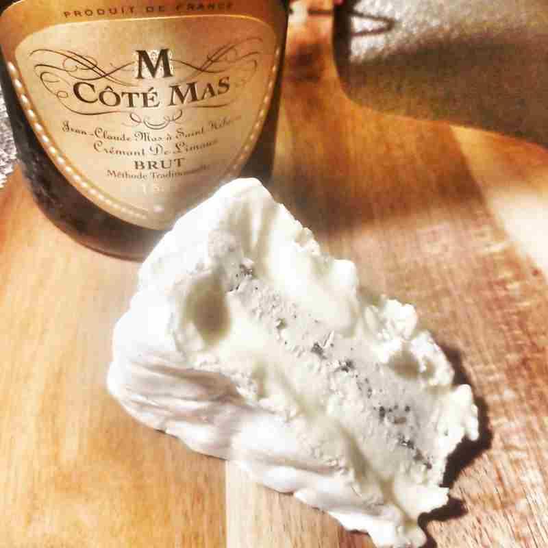 Côté Mas Crémant de Limoux Brut & Truffle Brie